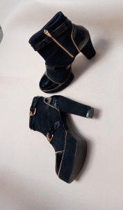 sepatu boots wanita hitam