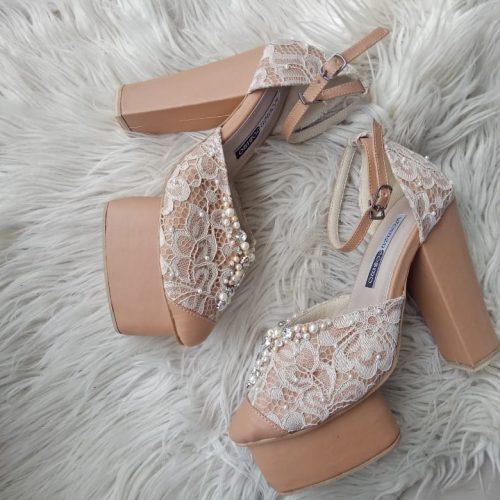 sepatu pengantin hak tinggi